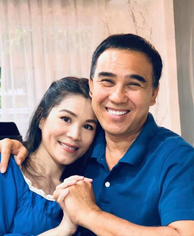 Kỷ niệm 16 năm ngày cưới của vợ chồng MC Quyền Linh: Không nến và hoa nhưng cực xúc động vì điều này! - Ảnh 3.