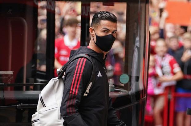 Trực tiếp Man United vs Newcastle: Ronaldo chính thức đá chính! Các fan của Quỷ đỏ không thể hạnh phúc hơn!! - Ảnh 2.