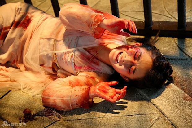 Mỹ nhân Hoa ngữ bị hủy hoại dung nhan: Triệu Lệ Dĩnh đau đớn quằn quại, trùm cuối khiến khán giả chết khiếp - Ảnh 1.