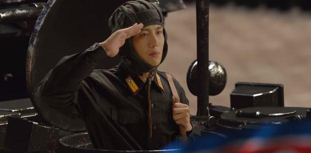 Shin Min Ah cưỡng hôn Kim Seon Ho, hồn nhiên ngủ lại nhà trai đẹp ở Hometown Cha-Cha-Cha tập 5 - Ảnh 3.