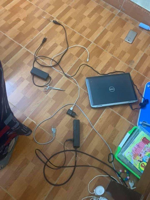 Vụ bé trai 10 tuổi tử vong do bị điện giật khi học online: Hết tiết 2, giáo viên không thấy học sinh đâu - Ảnh 1.