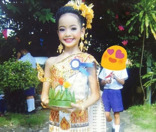 Cô giáo tiểu học kể chuyện về tuổi thơ của Lisa, khẳng định: Lisa là nguồn cảm hứng cho rất nhiều người trẻ ở Thái Lan - Ảnh 2.
