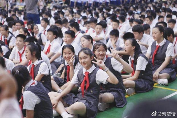 """""""Búp bê Trung Quốc"""" càn quét MXH từ lúc bé xíu khoe diện mạo thiếu nữ ở tuổi 12, khí chất thần tiên tỷ tỷ khiến fan trầm trồ - Ảnh 6."""
