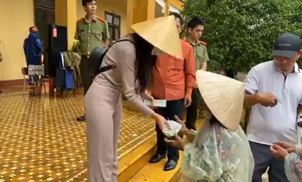 Bị đồn mập mờ tiền từ thiện hỗ trợ tỉnh Quảng Ngãi, phía Thuỷ Tiên chính thức lên tiếng làm rõ - Ảnh 5.