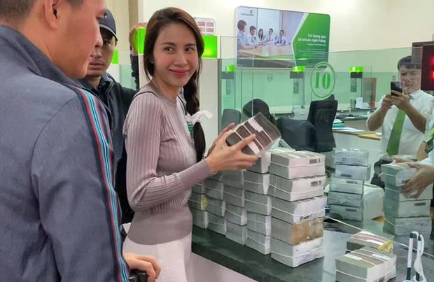 Bị đồn mập mờ tiền từ thiện hỗ trợ tỉnh Quảng Ngãi, phía Thuỷ Tiên chính thức lên tiếng làm rõ - Ảnh 6.