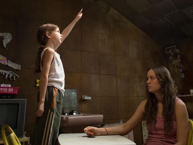 2 mẹ con bị nhốt trong phòng kín suốt 7 năm, khi trốn thoát mới nhận ra sự thật kinh hoàng: Bộ phim Oscar này sẽ khiến bạn chảy nước mắt! - Ảnh 3.