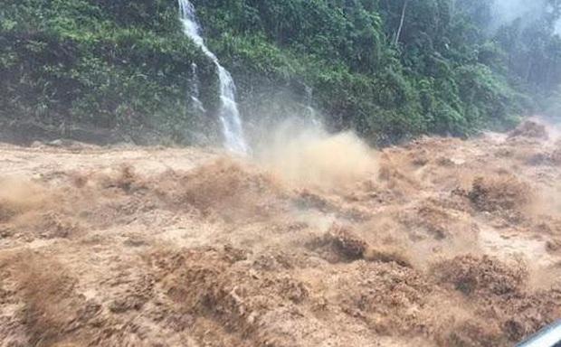 Bão Côn Sơn gây mưa to diện rộng, đã có người chết do lũ cuốn trôi - Ảnh 1.