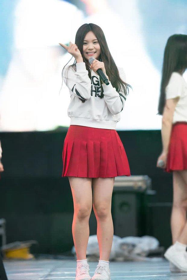 Nữ tân binh 2k3 gây tranh cãi về vóc dáng lệch tiêu chuẩn idol, netizen lập tức bảo vệ: Thời của idol chubby đến rồi, giọng hát lại còn hay! - Ảnh 10.