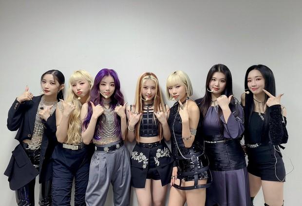 Nữ tân binh 2k3 gây tranh cãi về vóc dáng lệch tiêu chuẩn idol, netizen lập tức bảo vệ: Thời của idol chubby đến rồi, giọng hát lại còn hay! - Ảnh 4.
