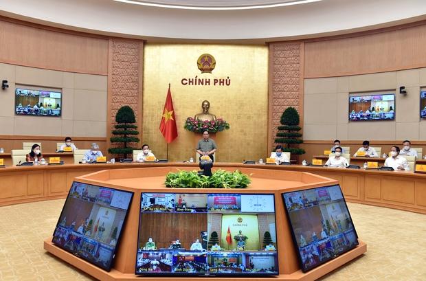 Thủ tướng: Nâng cao năng lực hệ thống để trở lại trạng thái bình thường mới vào năm 2022 - Ảnh 2.