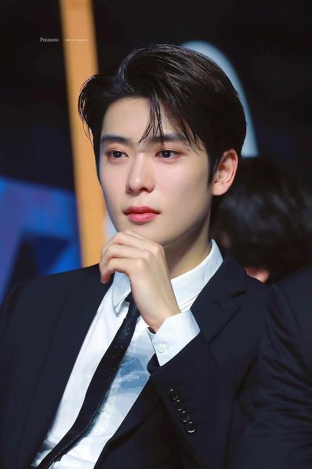 5 idol Kpop thay tên đổi vận: Jihyo (TWICE) từng trùng tên thành viên BLACKPINK, 1 mỹ nam SM nghe tên cũ mà hú hồn - Ảnh 4.