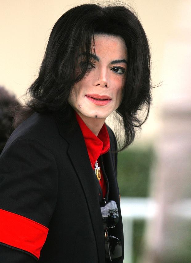 Một huyền thoại âm nhạc thế giới suýt nữa đã mất mạng trong vụ khủng bố 11/9 cách đây 20 năm, nguyên nhân thoát chết đầy li kì! - Ảnh 1.