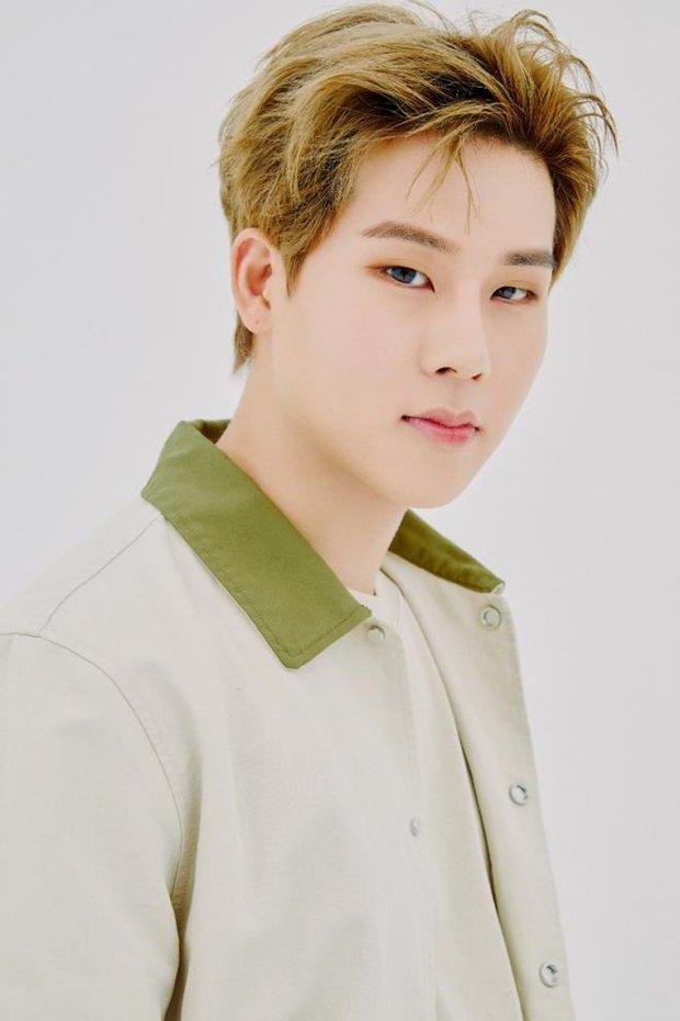 5 idol Kpop thay tên đổi vận: Jihyo (TWICE) từng trùng tên thành viên BLACKPINK, 1 mỹ nam SM nghe tên cũ mà hú hồn - Ảnh 8.