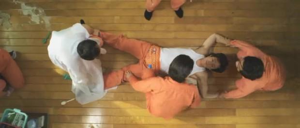 Điều Kỳ Diệu Ở Phòng Giam Số 7 từng có cảnh phim y hệt cổ xúy ấu dâm, may mà NSX sáng suốt cắt kịp - Ảnh 4.