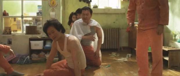 Điều Kỳ Diệu Ở Phòng Giam Số 7 từng có cảnh phim y hệt cổ xúy ấu dâm, may mà NSX sáng suốt cắt kịp - Ảnh 6.