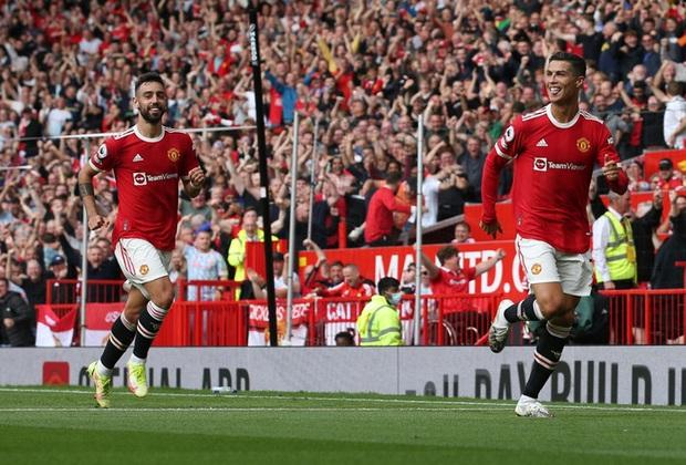 Ảnh cận cảnh Ronaldo ghi bàn ngay ở trận ra mắt MU - Ảnh 5.