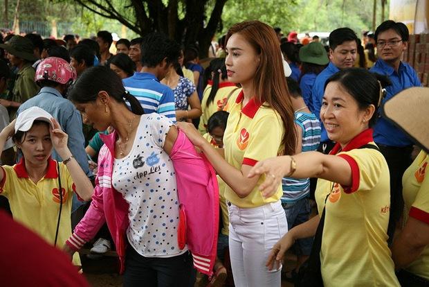 Giữa bão sao kê của loạt sao Việt đình đám, Lan Ngọc phản ứng cực khéo khi bị hỏi số tài khoản để quyên góp! - Ảnh 5.