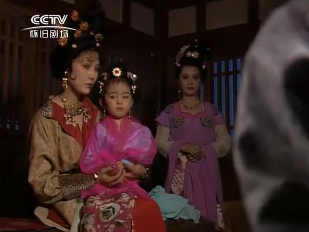 Khó nhận ra Dương Mịch thời còn nhí mén ở phim đầu tay, đáng yêu hết cỡ nhưng cớ sao từng phải nghỉ diễn giữa chừng? - Ảnh 4.