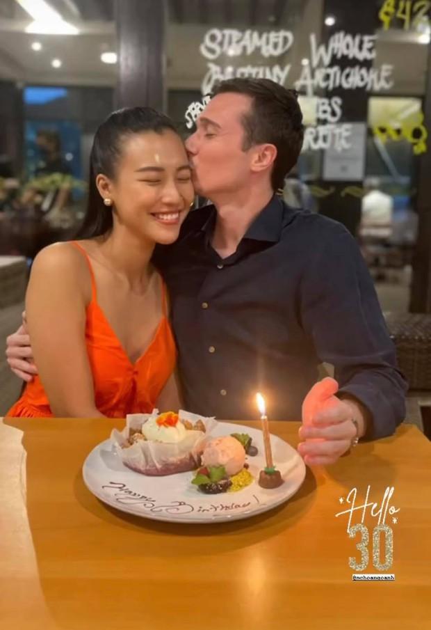 Dàn mẹ bỉm hot đọ sắc ở Singapore: Hoàng Oanh khoe dáng gợi cảm hậu ồn ào, Thu Minh - Đoan Trang bất phân thắng bại - Ảnh 7.