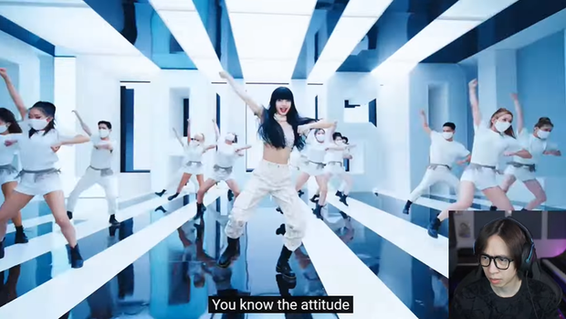 ViruSs há hốc, nổi da gà khi xem MV mới của Lisa, phần nhạc gây tranh cãi lớn nhưng nam streamer nhận xét thế nào? - Ảnh 9.