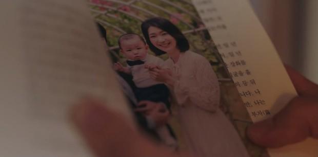 Vừa bị Shin Min Ah cạch mặt, Kim Seon Ho đã lộ bí mật có vợ con ở Hometown Cha-Cha-Cha tập 6? - Ảnh 4.