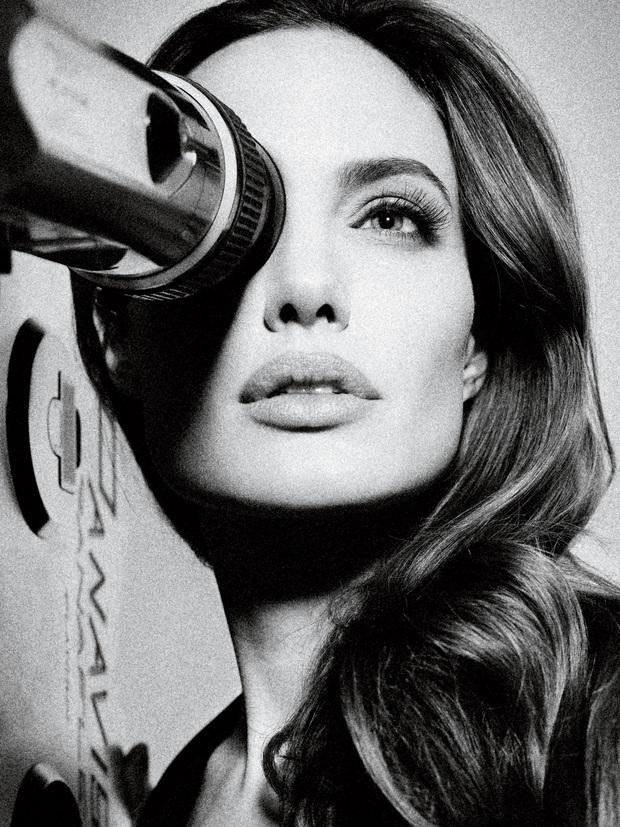 Angelina Jolie: 14 tuổi đã nổi loạn và tự tử bất thành, gái hư 2 lần đeo mác tiểu tam đến minh tinh nghị lực vượt qua ung thư - Ảnh 20.