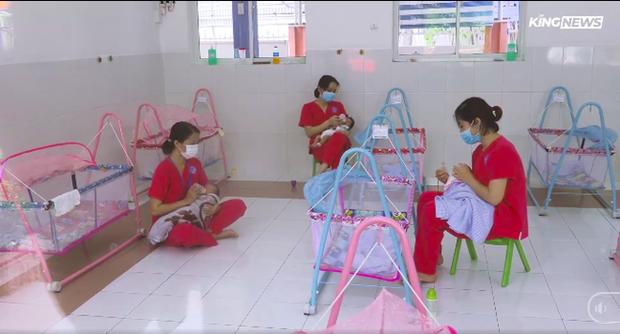 Xót xa hình ảnh hàng trăm trẻ sơ sinh ở Bệnh viện Hùng Vương có bố mẹ là F0: Khóc thét cả ngày, không có người thân chăm sóc - Ảnh 3.