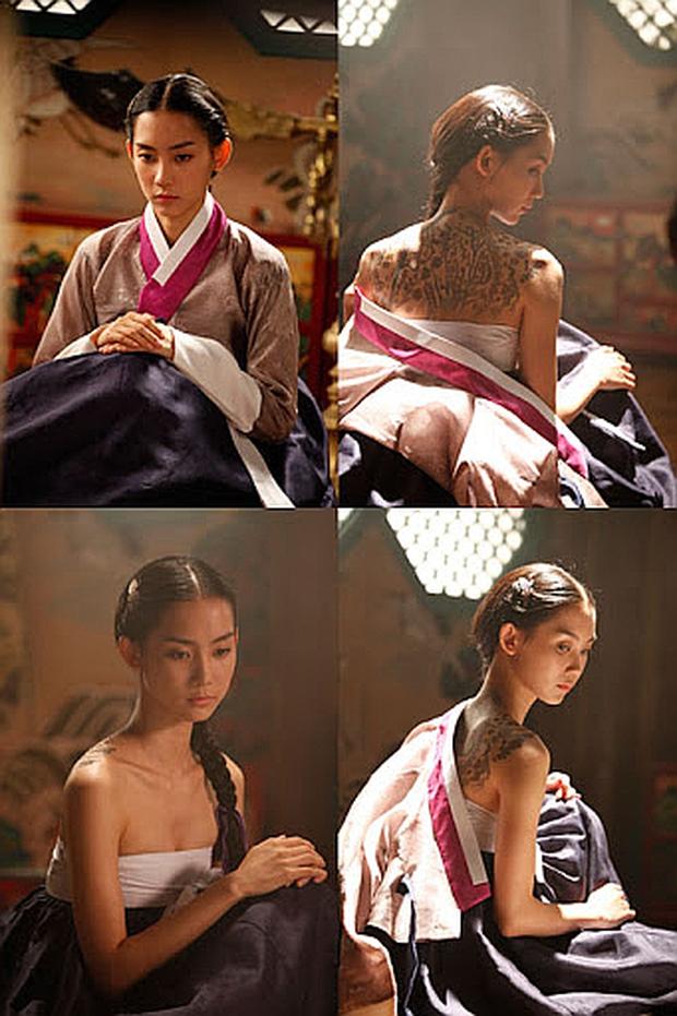 Nàng Đông Shin Hyun Bin của Hospital Playlist: Tắc kè hoa ẩn mình của điện ảnh Hàn, style ngoài đời đẹp mê mẩn khác hẳn trên phim! - Ảnh 7.