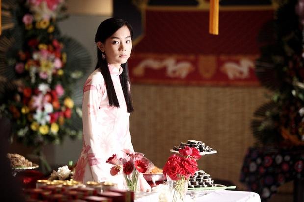Nàng Đông của Hospital Playlist từng đóng vai gái Việt, ăn nói sành sỏi và mặc áo dài xịn đến đâu mà ẵm cả giải Baeksang? - Ảnh 1.
