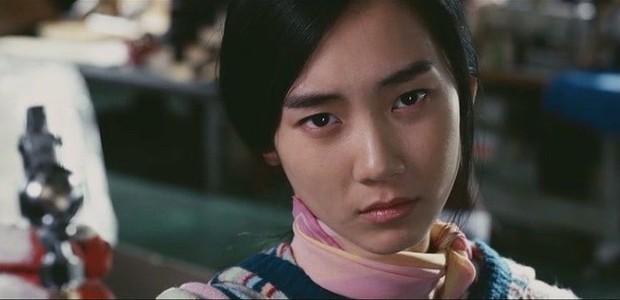 Nàng Đông của Hospital Playlist từng đóng vai gái Việt, ăn nói sành sỏi và mặc áo dài xịn đến đâu mà ẵm cả giải Baeksang? - Ảnh 6.