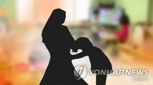 Bóc trần trường mẫu giáo biến thái ở Hàn Quốc: Bạo hành trẻ 660 lần trong 2 tháng, yêu cầu nam nữ cởi quần để xem rồi đánh nhau - Ảnh 1.