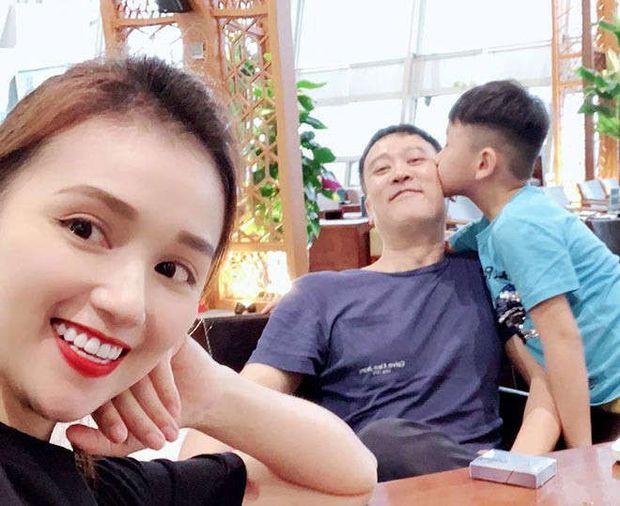 Lã Thanh Huyền hiếm hoi tung ảnh bên chồng đại gia Hà Thành, nói gì với chàng mà sến sẩm thế này? - Ảnh 6.