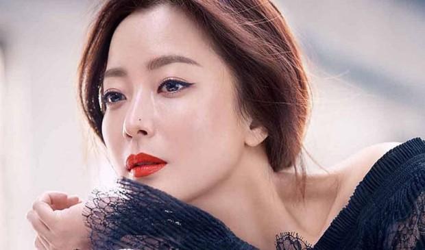 Nữ diễn viên Hàn suýt bỏng cả khuôn mặt vì bị đạo diễn ép uổng, may mà Kim Hee Sun lên tiếng can ngăn kịp thời - Ảnh 6.