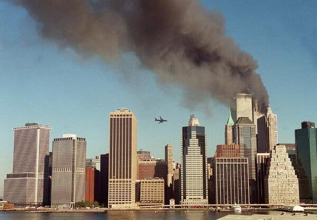 Chuyện tác nghiệp của những phóng viên chụp ảnh thảm họa 11/9: Trải nghiệm và cảm xúc ám ảnh không thể quên - Ảnh 1.