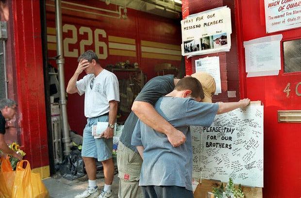 Chuyện tác nghiệp của những phóng viên chụp ảnh thảm họa 11/9: Trải nghiệm và cảm xúc ám ảnh không thể quên - Ảnh 11.