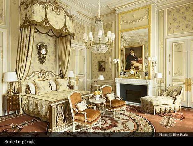 Chuyện về cha đẻ khách sạn yêu thích của Coco Chanel, Ernest Hemmingway - Ảnh 2.