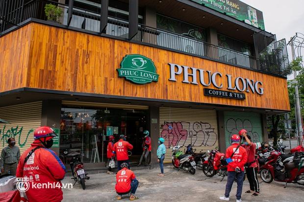 Sài Gòn cho hàng ăn uống mở bán đem về: Chị bán chè sướng run vì bán được 200 ly/ ngày, Như Lan hốt bạc nhờ bán bánh Trung thu - Ảnh 2.
