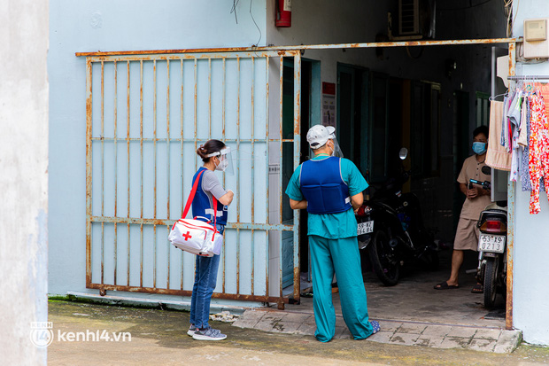 TP.HCM: Thăm khám và tiêm vaccine tận nhà cho thai phụ và người già yếu, di chuyển khó khăn - Ảnh 11.