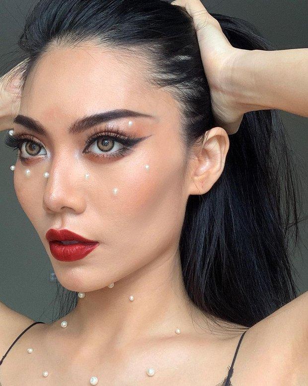 Gặp cô gái với gò má như Angelina Jolie: Phản ứng quyết liệt trước lời miệt thị hình thể, thị phạm chiêu makeup cho những ai đồng cảnh - Ảnh 4.