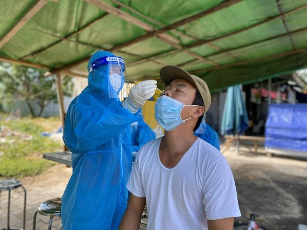 Ngày 13/9, Đà Nẵng không ghi nhận ca COVID-19 cộng đồng, toàn thành phố chỉ còn 1 chuỗi lây nhiễm nguy cơ cao - Ảnh 1.
