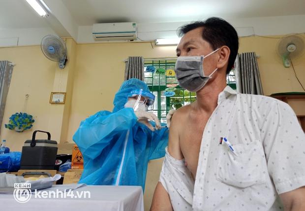 Gần 2 triệu người ở TP.HCM đã được tiêm vaccine Vero Cell - Ảnh 1.