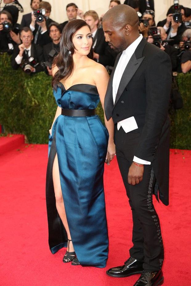 Nữ hoàng thảm đỏ Met Gala: Rihanna - Lady Gaga thi nhau combo độc - dị - lố, choáng nhất là Cardi B phô diễn body với bộ đồ 11 tỷ - Ảnh 16.