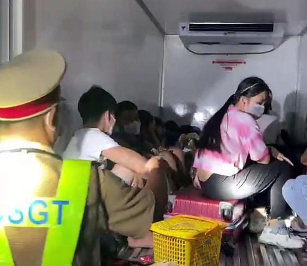 Vụ xe tải giấu15 người trong thùng đông lạnh để thông chốt như phim: Thông tin từ Phó Chủ tịch Bình Thuận - Ảnh 1.