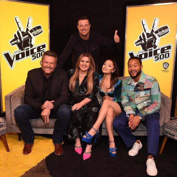 Xuất hiện thí sinh Việt tại The Voice Mỹ khiến Ariana Grande ra sức năn nỉ về đội? - Ảnh 1.