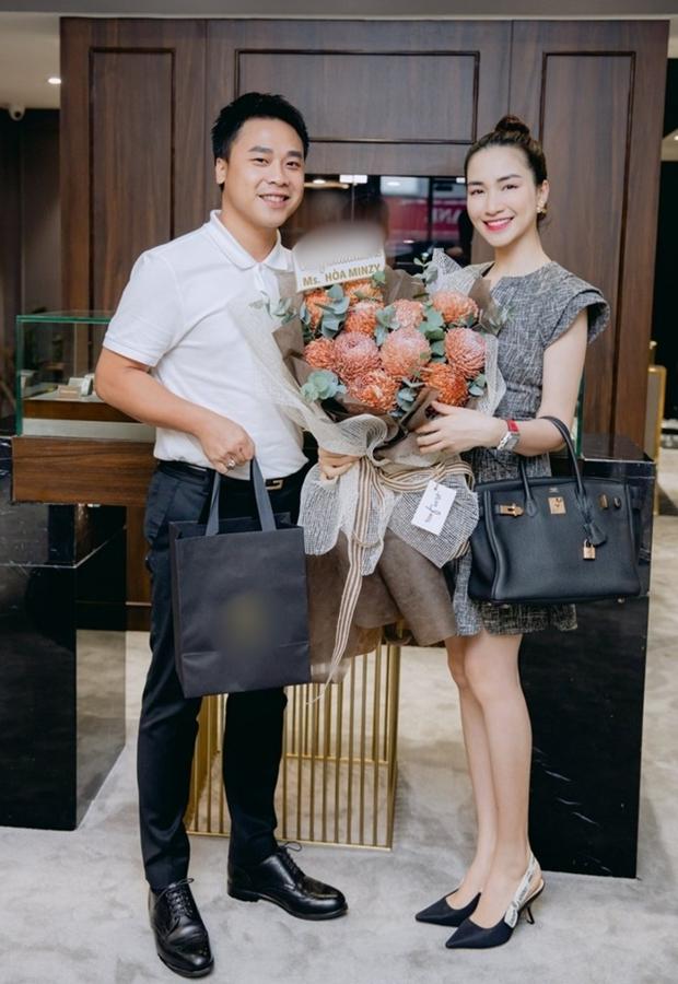 Bị lấy cắp hình ảnh dùng cho app hẹn hò, chồng Hoà Minzy đau khổ kể bị vợ càu nhàu, phải vội lên đính chính - Ảnh 6.