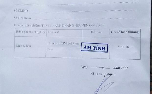 Điều dưỡng phòng khám bán 130 phiếu âm tính SARS-CoV-2 để trống thông tin người xét nghiệm - Ảnh 1.