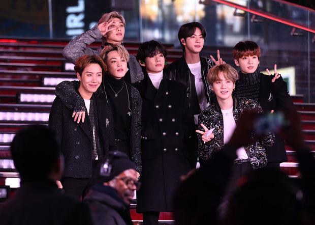 Thắng BLACKPINK và vụt mất 1 giải quan trọng tại VMAs 2021, BTS vẫn là nhóm nhạc đầu tiên trong lịch sử lập kỷ lục đáng nể này - Ảnh 1.