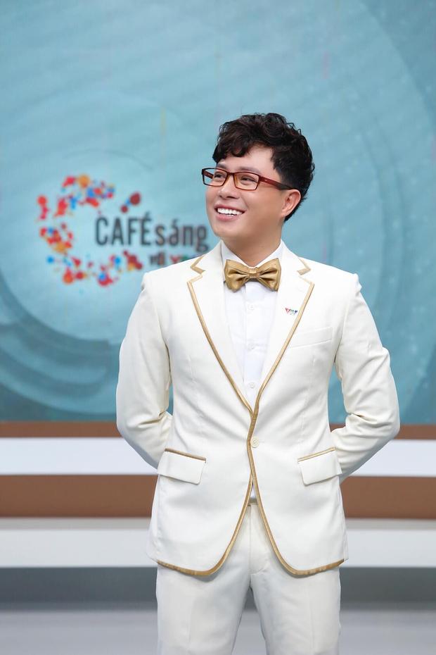 Nam MC nghỉ học có làm em đỡ buồn không: Gần 20 năm gắn với VTV, cố dẫn show khi con trai đang cấp cứu - Ảnh 3.