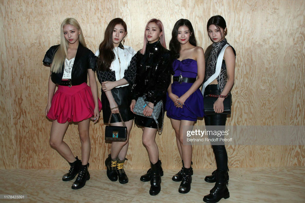 Phóng viên bóc nhan sắc mỹ nhân Kpop ở sự kiện quốc tế: Rosé lộ khuyết điểm, Jessica - Krystal dừ chát, riêng Jennie và Suzy khác hẳn - Ảnh 11.