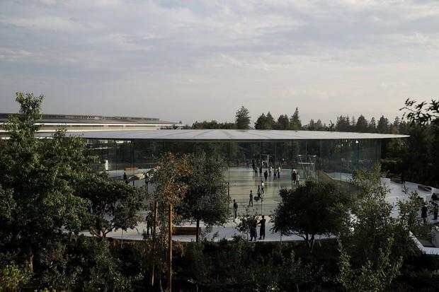 Cận cảnh Apple Park: Văn phòng đẹp nhất thế giới trị giá 5 tỷ USD, nơi tổ chức buổi ra mắt iPhone 13 đêm nay! - Ảnh 11.